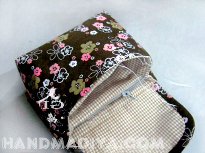 Sew a compact bag with two compartments