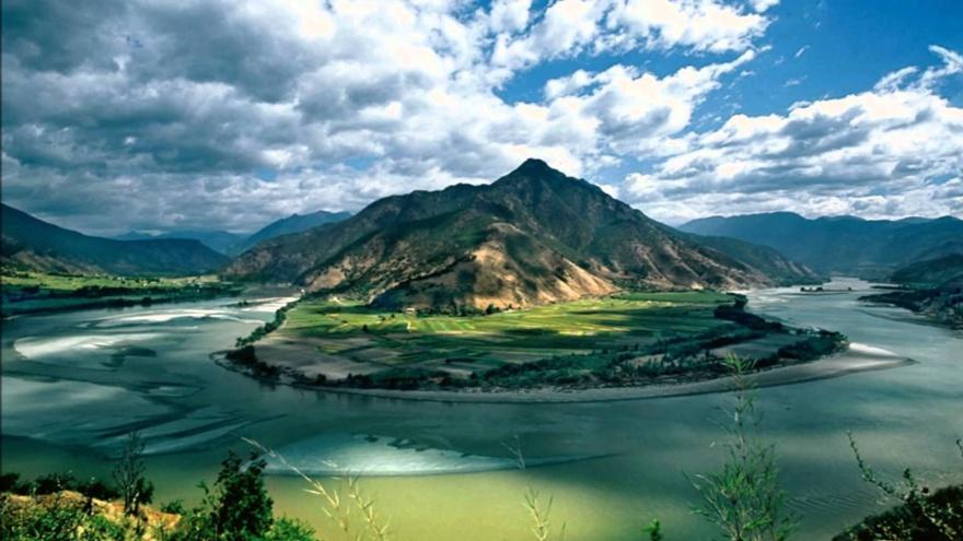 Река Янцзы — самая длинная река не только в Китае, но во всей Азии. Является третьей по протяженност
