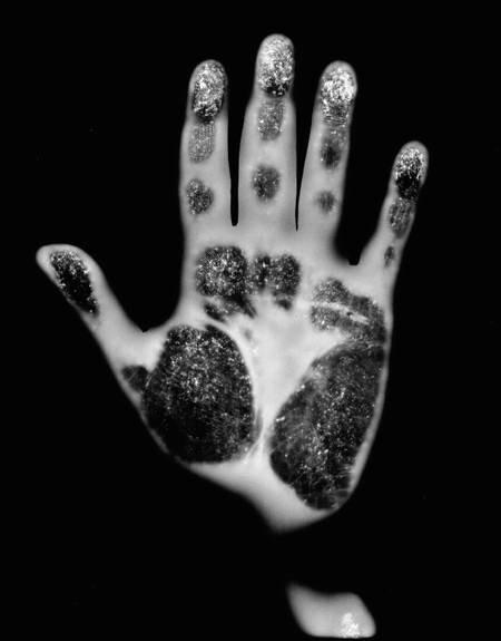 """Гэри Шнейдер. """"Генетический автопортрет. Руки"""", 1997 г."""