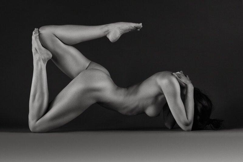 фото необычных поз голых девушек