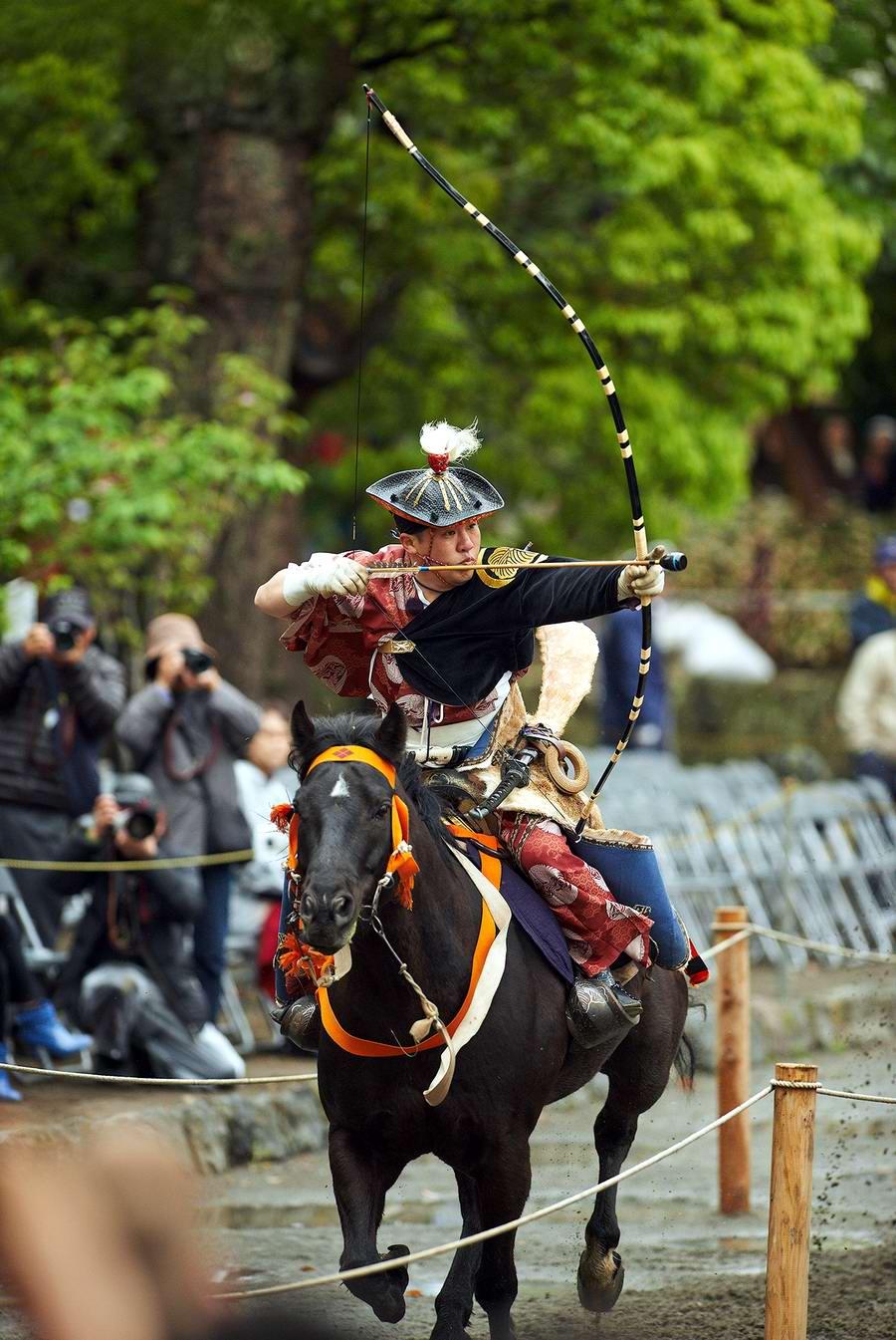 Стреляем из лука на полном скаку: Потомки японских самураев (16)