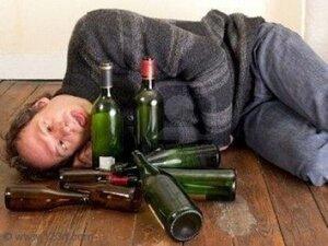 Жительница Приморья избила пьяного мужа поленом