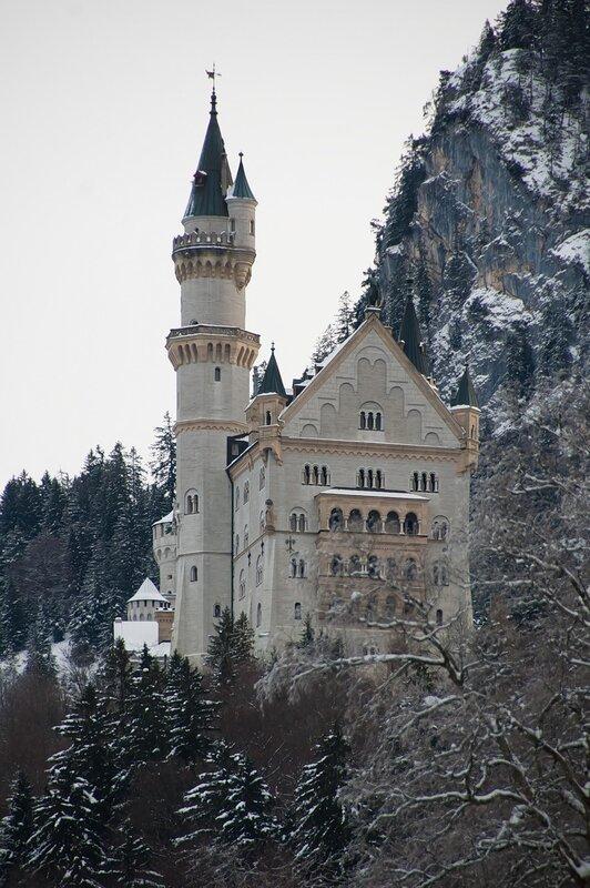 Замок Нойшванштайн и другие замки мира