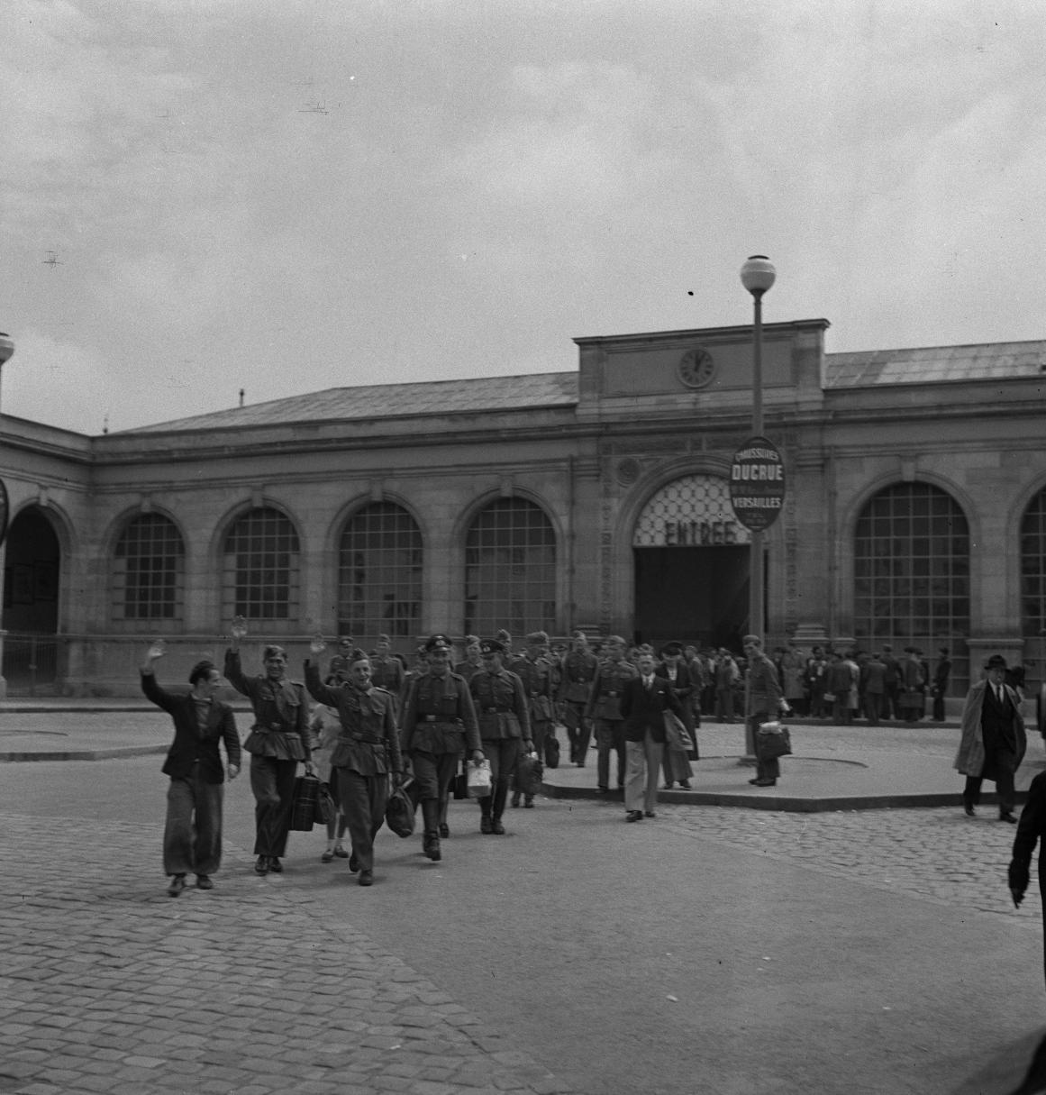 01. Прибытие добровольцев Легиона на Версальский вокзал