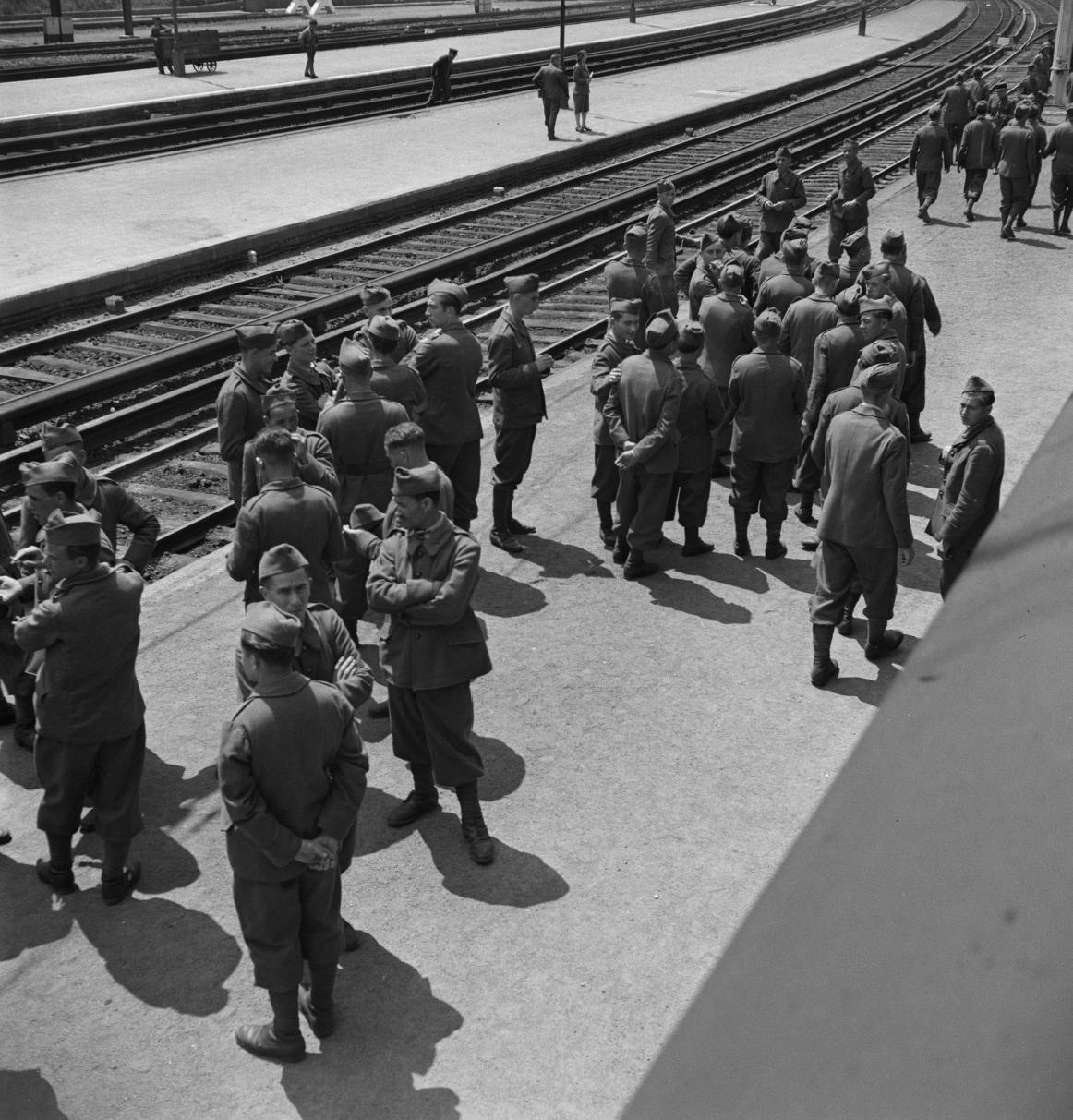 39. Ожидание поезда