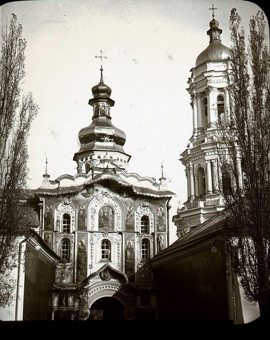 02. Киев. Вход в Лавру
