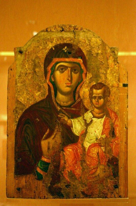 Богоматерь Одигитрия. Икона. Византия, XIII век. Византийский музей в Афинах.