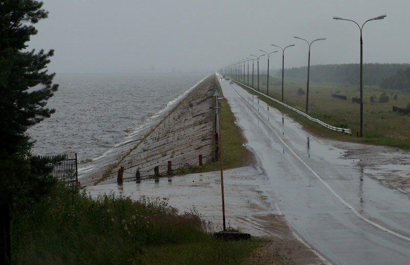 У Горьковской ГЭС