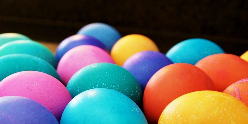 10. Краситель для яиц, бумаги и тканей Кофе отлично окрашивает не только волосы, но и ткани. С его п