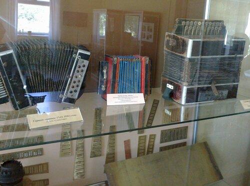 Музей кирилловской гармошки в селе Волокославинском Кирилловского района
