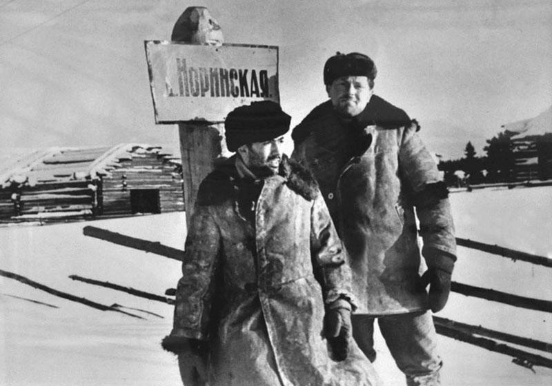Бродский и Найман в Норинской (февр.1965, фото Мейлаха) 800.jpg