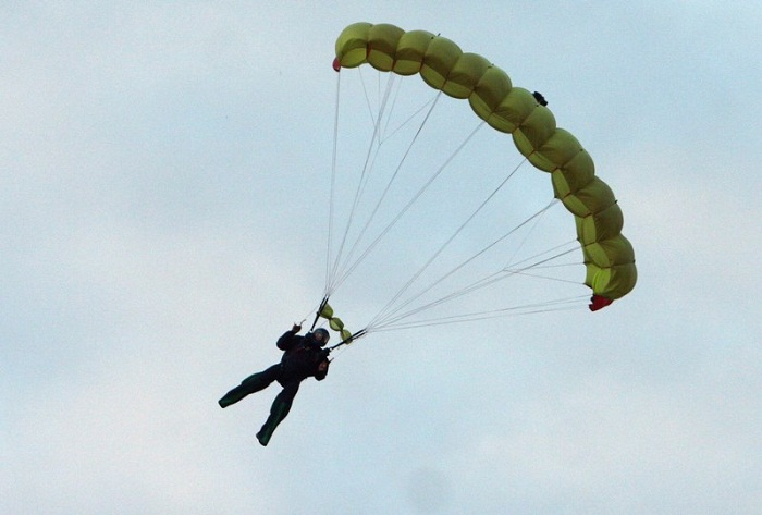 На Тихоокеанском флоте идут тренировки сборной ТОФ по парашютному спорту