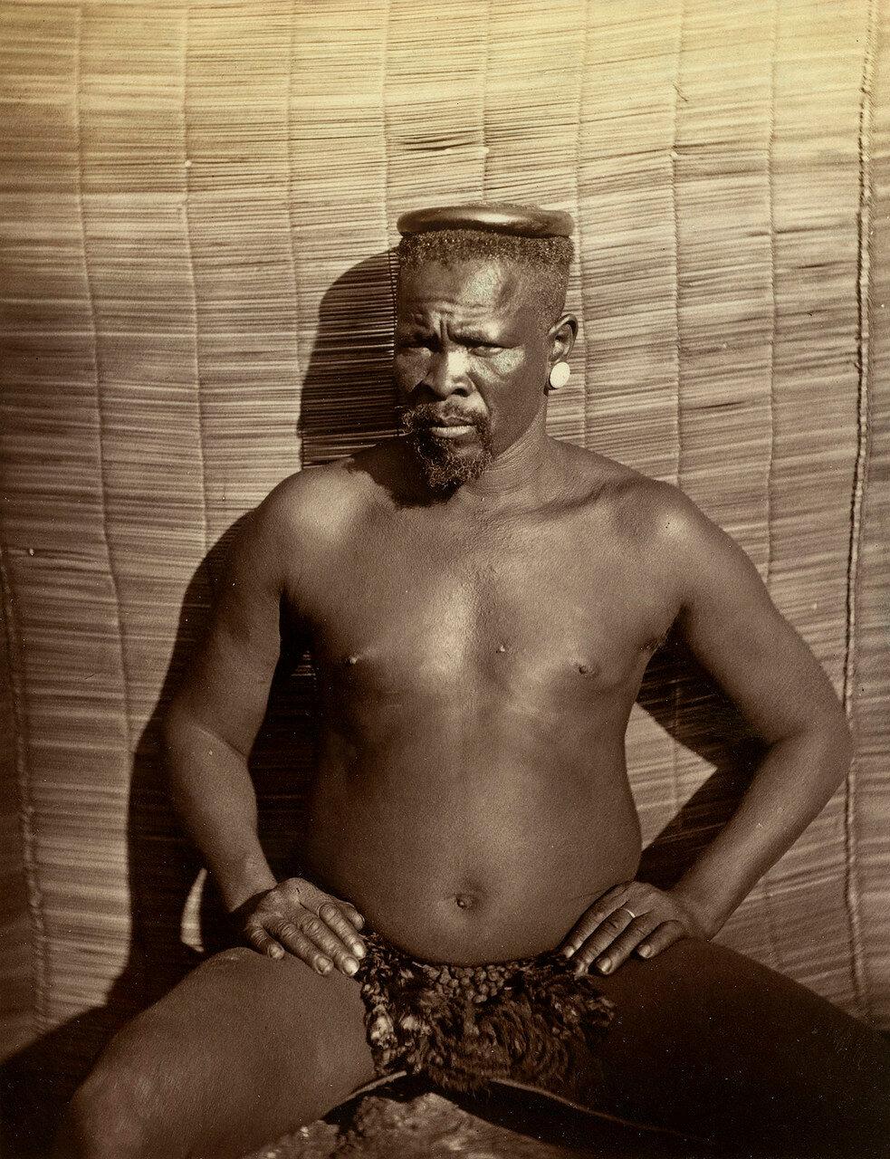 Кечвайо. 11 декабря 1878 года лейтенант-губернатор Натала Г. Балвер предъявил Кечвайо.  января 1879 года, 11 января 1879 года, когда истек срок ультиматума, английские части несколькими колоннами вступили на территорию Зулуленда.