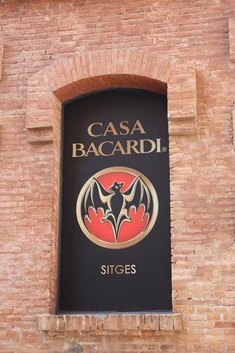 Ситжес, геи и музей Бакарди - май 2011