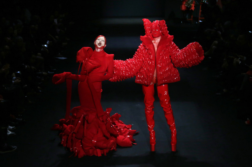Коллекция дизайнера Hu Sheguang на Китайской Неделе Моды