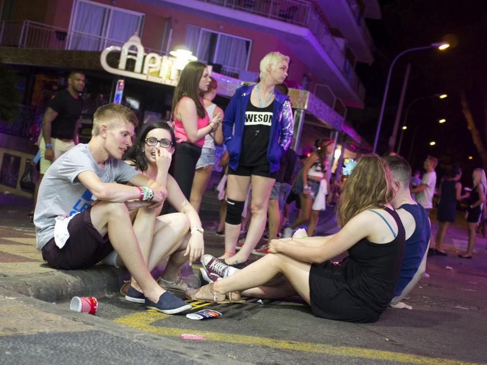 На Ибице не хватает полицейских, что бы утихомирить пьяных британцев