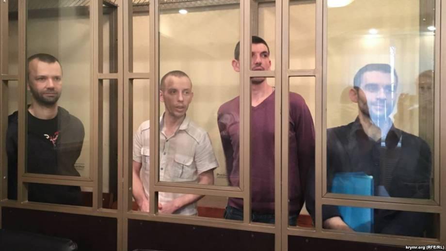 """Адвокаты четырех крымчан, обвиняемых оккупантами в связях с """"Хизб ут-Тахрир"""", обжалуют приговор российского суда"""