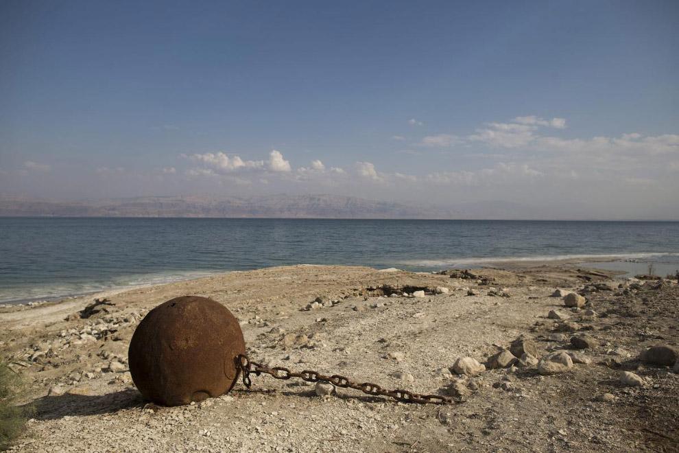 10. Заброшенные строения на южной стороне Мертвого моря. (Фото Abir Sultan):