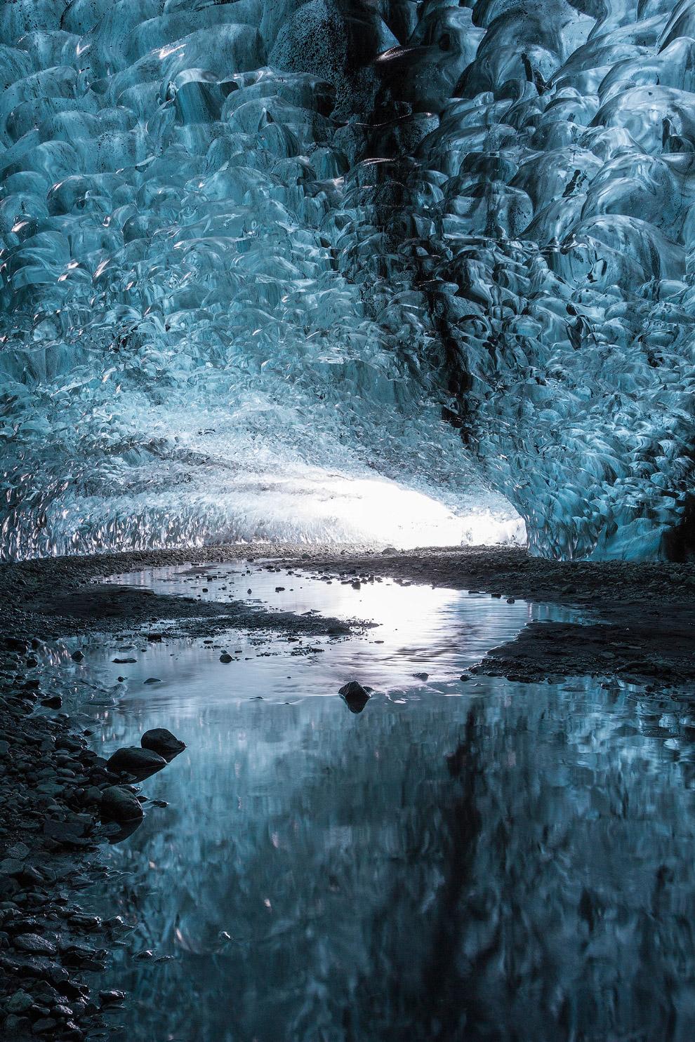 4. Ещё один тип ледниковых пещер — пещеры, образуемые в леднике в месте выхода внутриледниковых