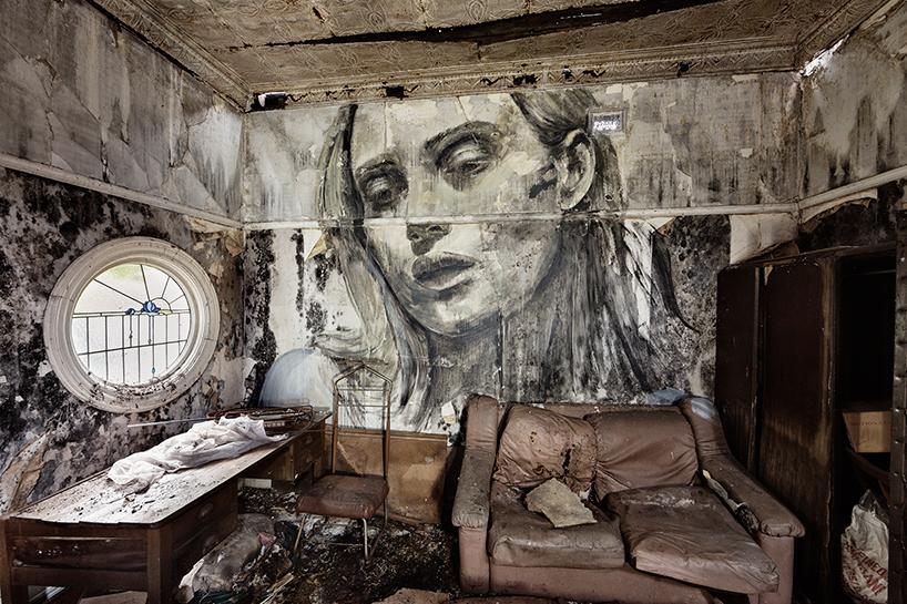 Женские портреты в заброшенных домах
