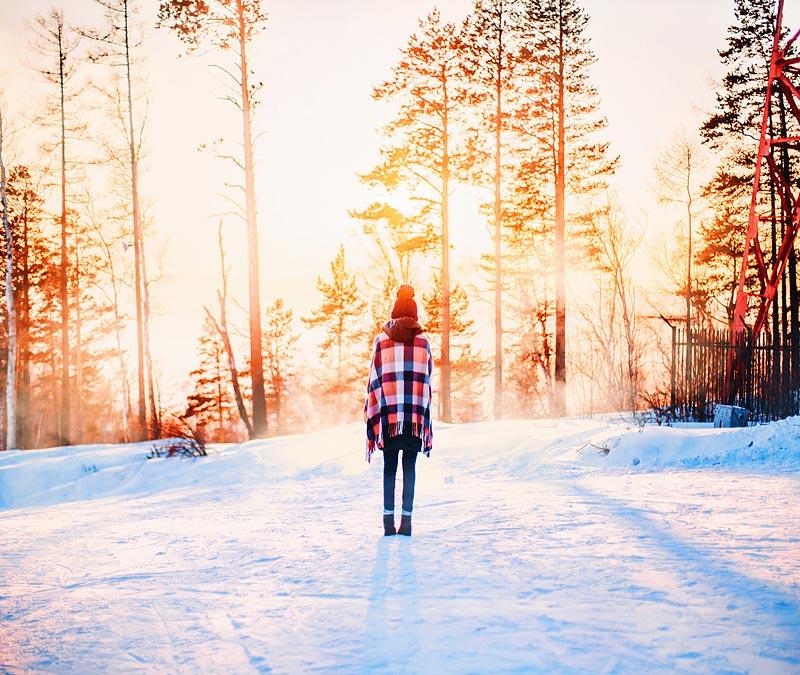 Рекомендую также подняться на закат на Камень Черского, оттуда вид на исток Ангары и Байкал.