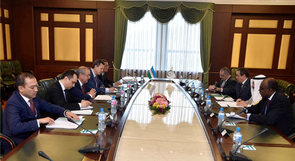 И.о. президента Узбекистана предложил сделать вСамарканде исламский научно-исследовательский центр