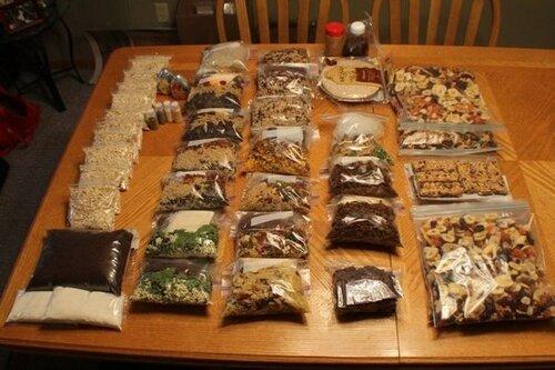 еда упакованная для похода