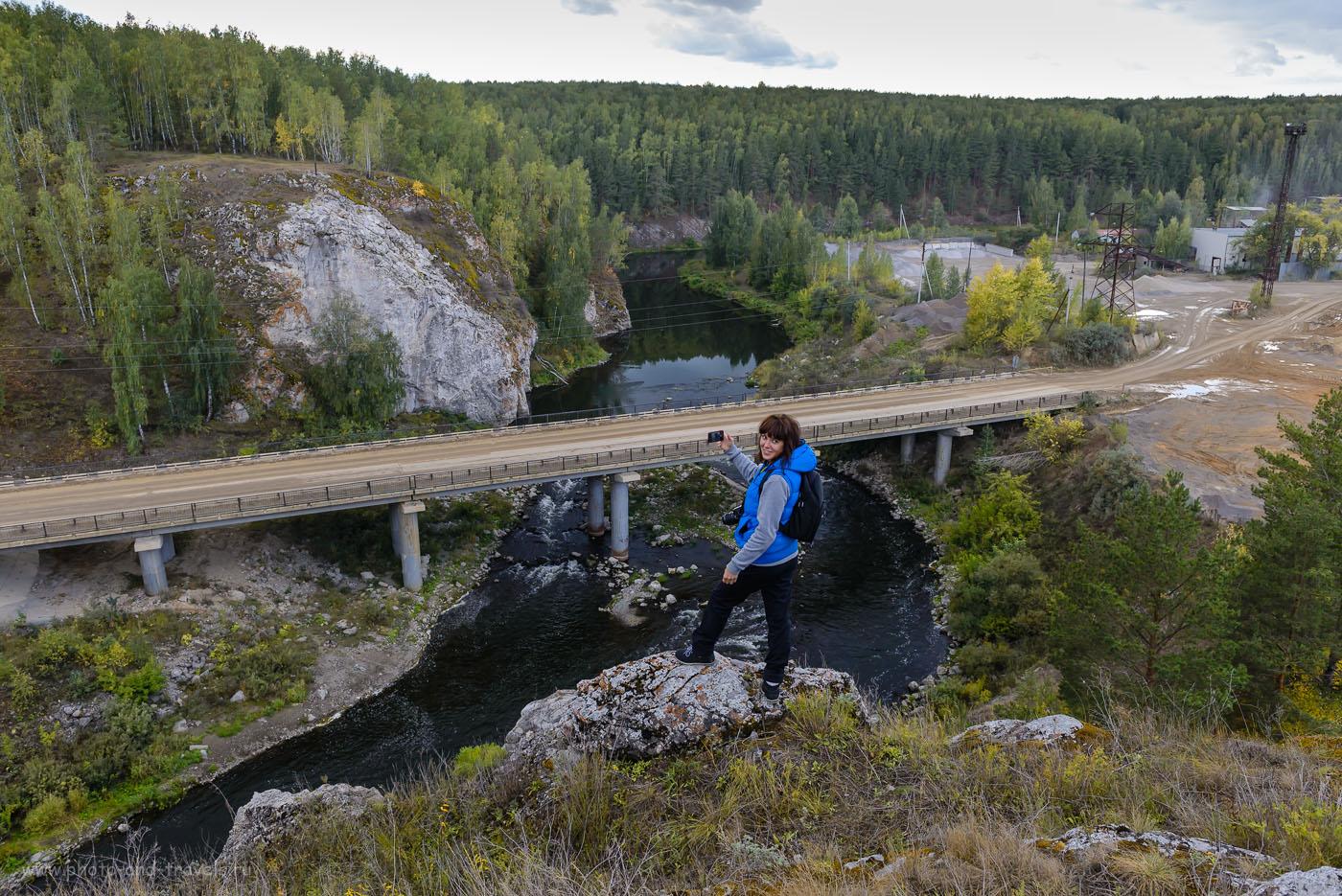 Изображение 9. С таким чехлом можно не только летать, но и успешно снимать селфи, стоя на краю скалы.