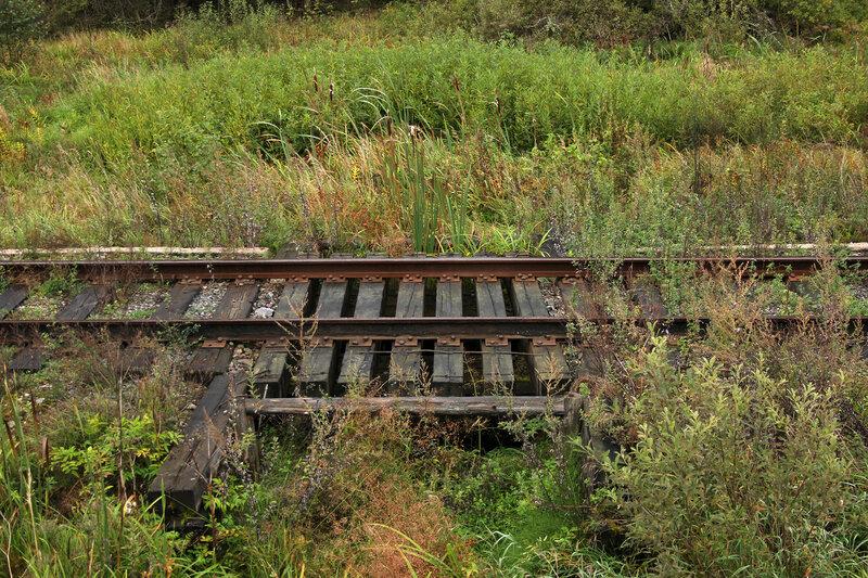 Деревянный мост в начале линии Земцы - Жарковский