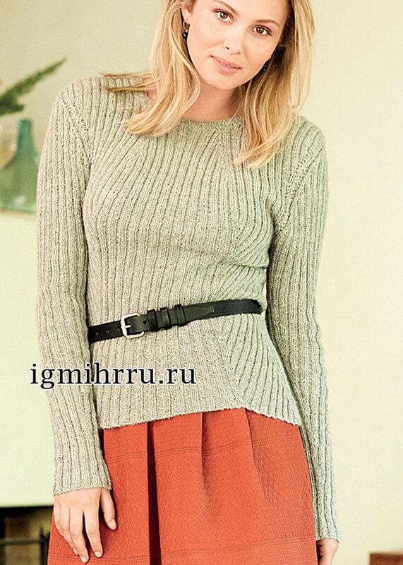 Светло-зеленый облегающий пуловер в резинку. Вязание спицами