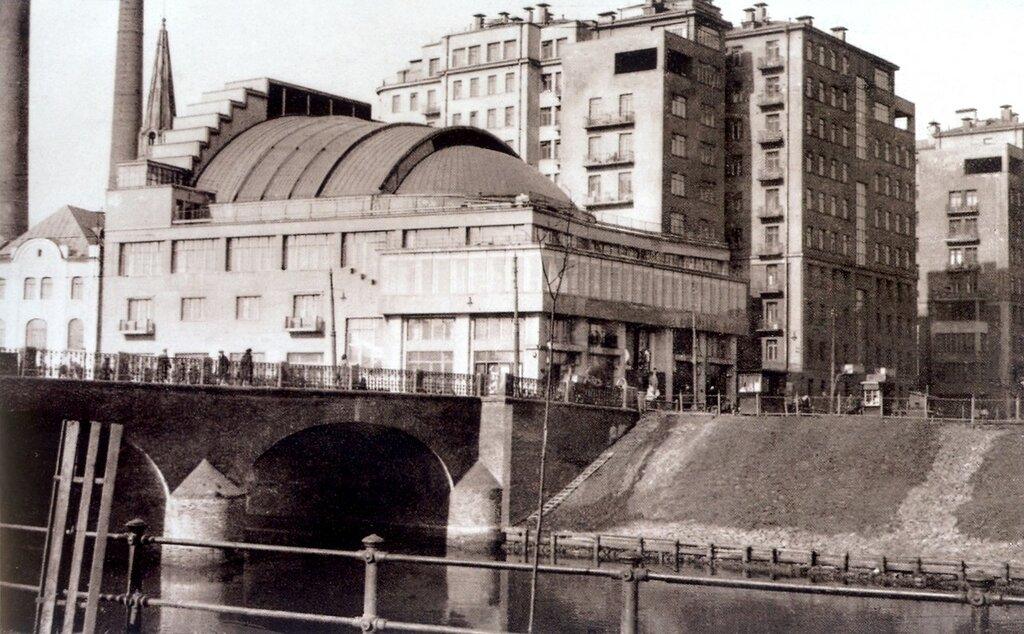 38874 Дом на набережной нач. 1930-х.jpg