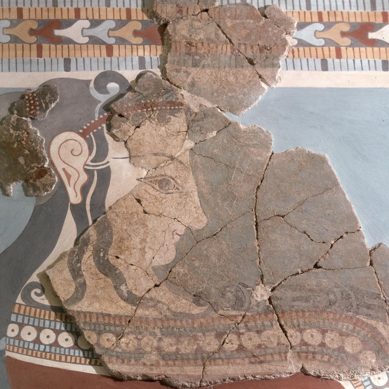 Женская процессия.Фреска (фрагмент) из  дворца Тиринфа, XIII в. до н.э.
