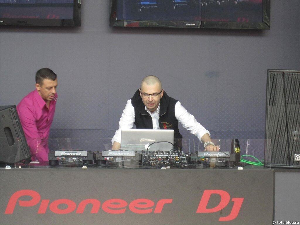 Александр Анатольевич с MTV как DJ