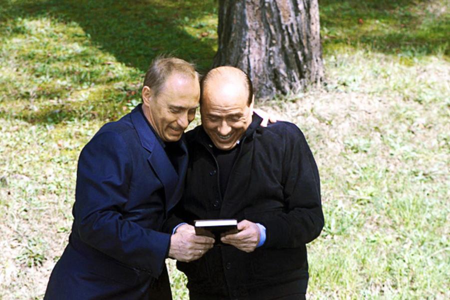 Путин и Берлускони.png
