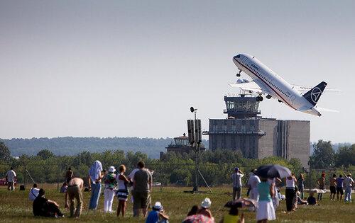новые среднемагистральные пассажирские самолеты Сухой Суперджет (Sukhoi superjet 100) и ТУ-204СМ: