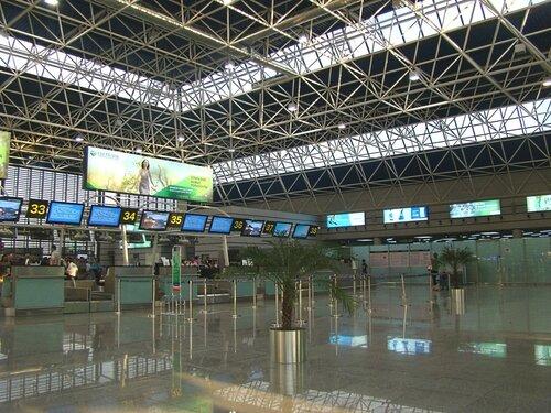 Новый аэровокзальный комплекс аэропорта Сочи.