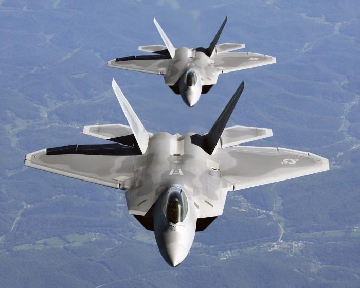 4. F-22 Raptor, 350 млн долларов. Этот многоцелевой истребитель пятого поколения считается лучшим в
