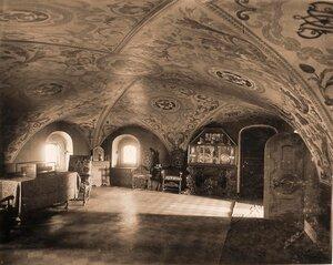 Интерьер Трапезной палаты в  одном из Кремлевских [дворцов].