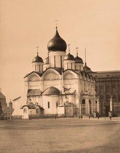 Вид на Архангельский собор в Кремле (построен в 1505-1508 гг. архитектором Алевизом Фрязиным Новым).