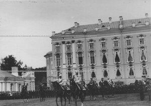 Император Николай II на параде  полка по случаю  200-летнего юбилея полка.