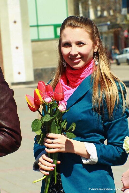 Флешмоб женственности, Саратов, проспект Кирова, 04 мая 2014 года