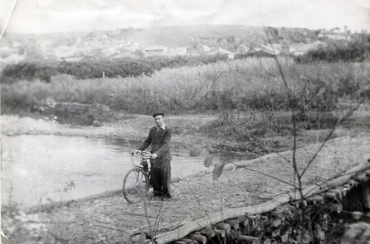 1958. п.Веселенькая, прогулка одного из жителей п.Малая Вергунка