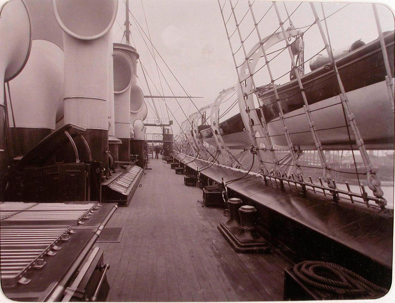 02. Вид части палубы яхты «Штандарт»