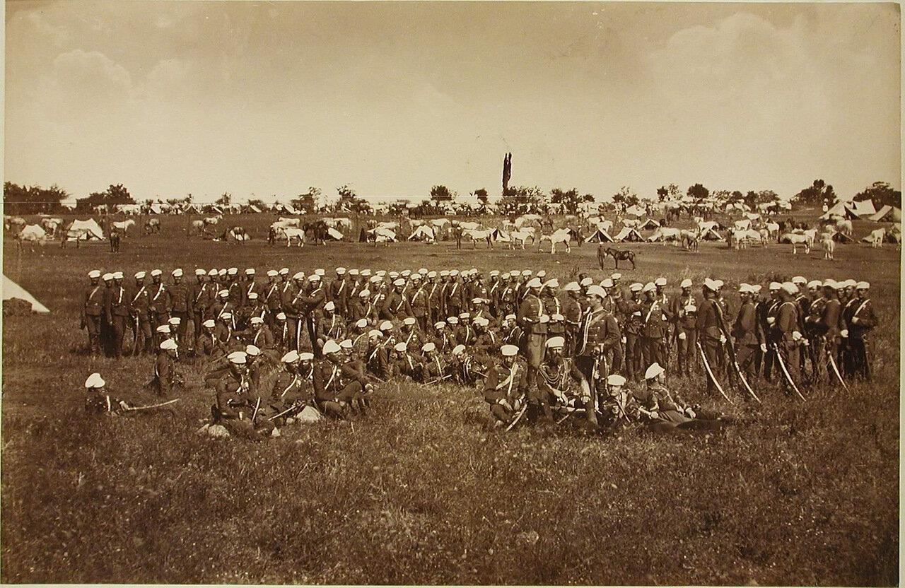 42. Солдаты и офицеры 4-го эскадрона Лейб-гвардии Гусарского его величества полка. Турция. Галатерея
