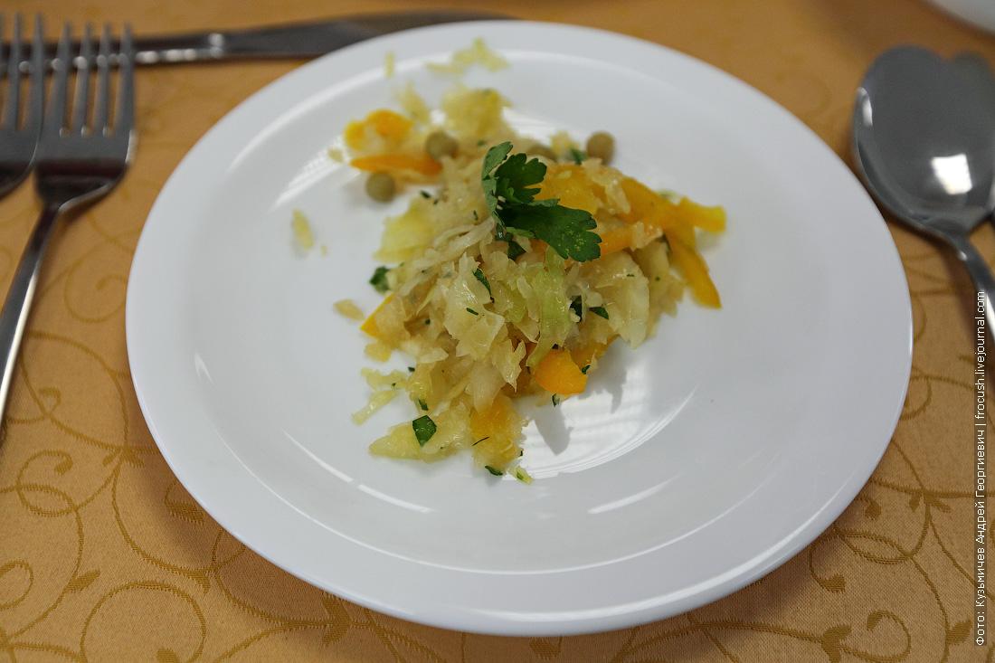 Салат из свежей капусты с болгарским перцем