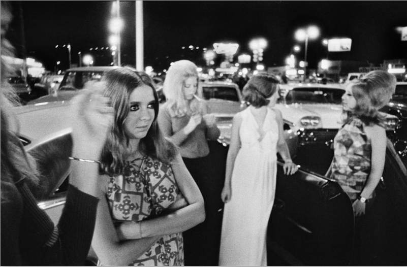 Van Nuys Boulevard cruise night, 1972. Photos by Richard McCloskey.jpg