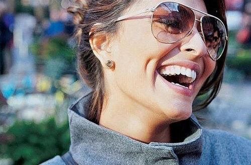 Радоваться вдоволь ведь сила смеха способна на многое