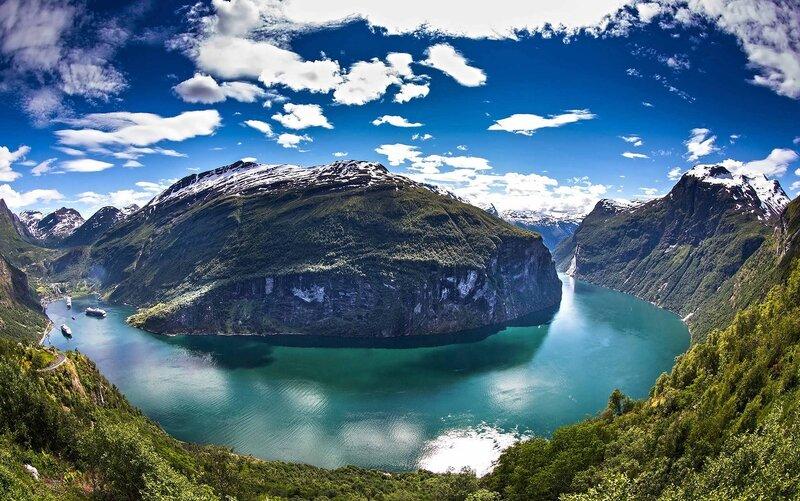 Panorama fjorda Norvegii