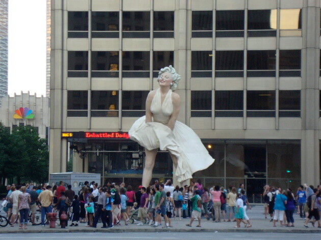 Cкульптура Мэрилин Монро в Чикаго