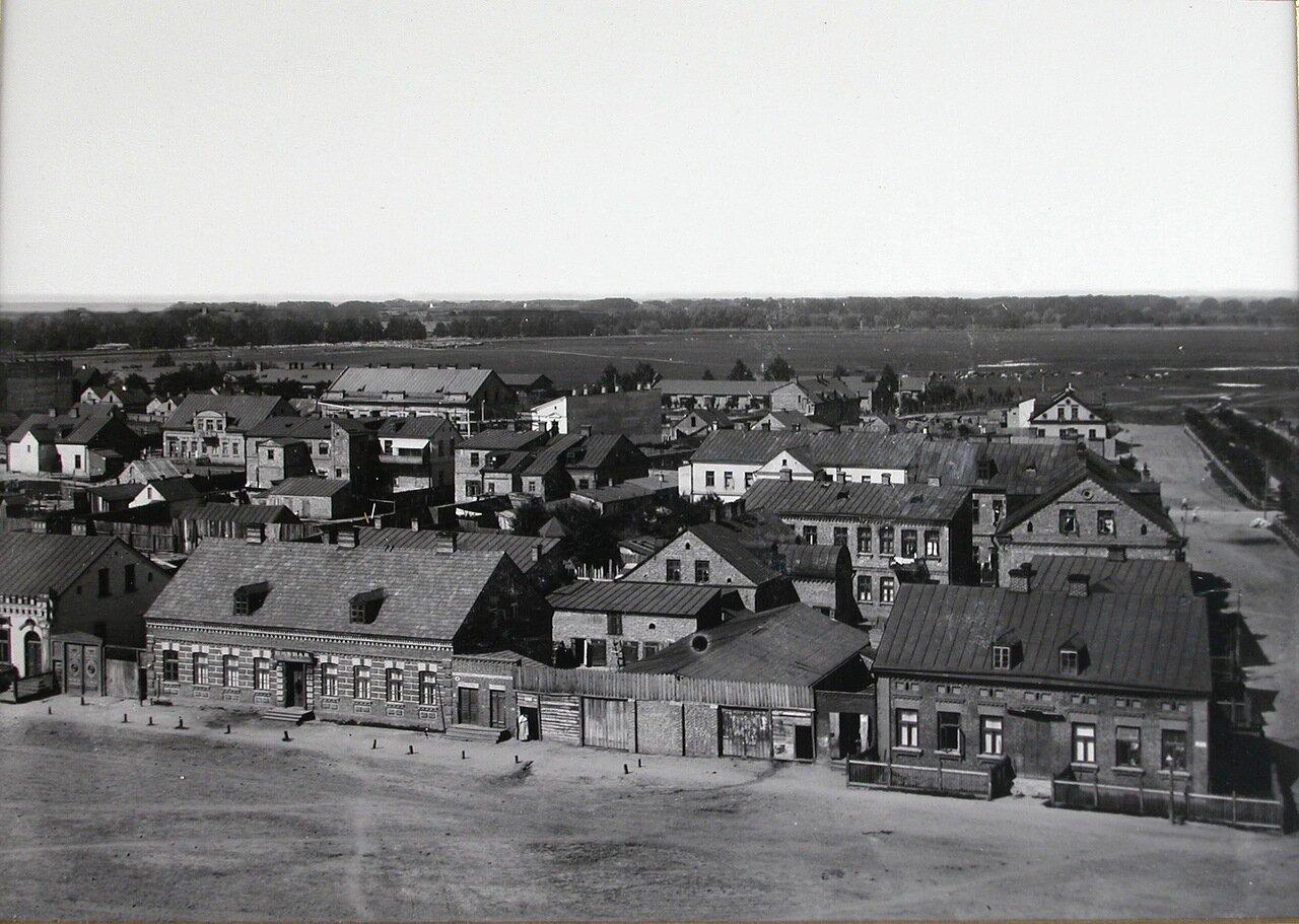 Вид жилых домов на Широкой улице. 1900